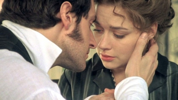 Richard Armitage and Daniela Denby-Ashe as John Thornton and Margaret Hale in North and South, 2004.
