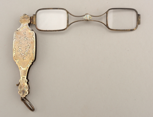 Lorgnette of Gold and Glass, mid-19th century.(Courtesy of The Smithsonian Design Museum.)