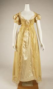 1811 British Ball Gown.(Image via Met Museum)
