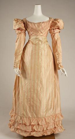 1822 British Silk Visiting Dres.(Image via Met Museum)