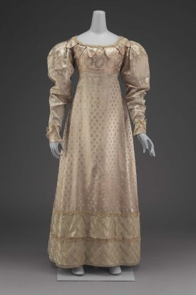 1825 Pale Pink, Figured Satin American Gown.(Image via Museum of Fine Arts Boston.)