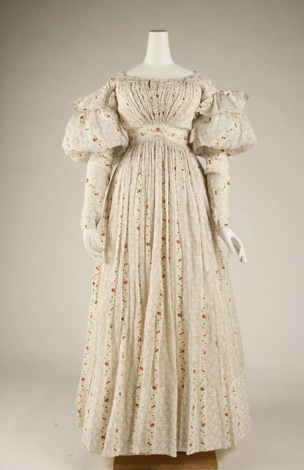 1827 British Cotton Morning Gown.(Image via Met Museum.)