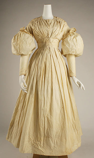 1828 American Cotton Morning Dress.(Image via Met Museum)