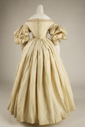 1832 British Silk Gown.(Image via Met Museum)