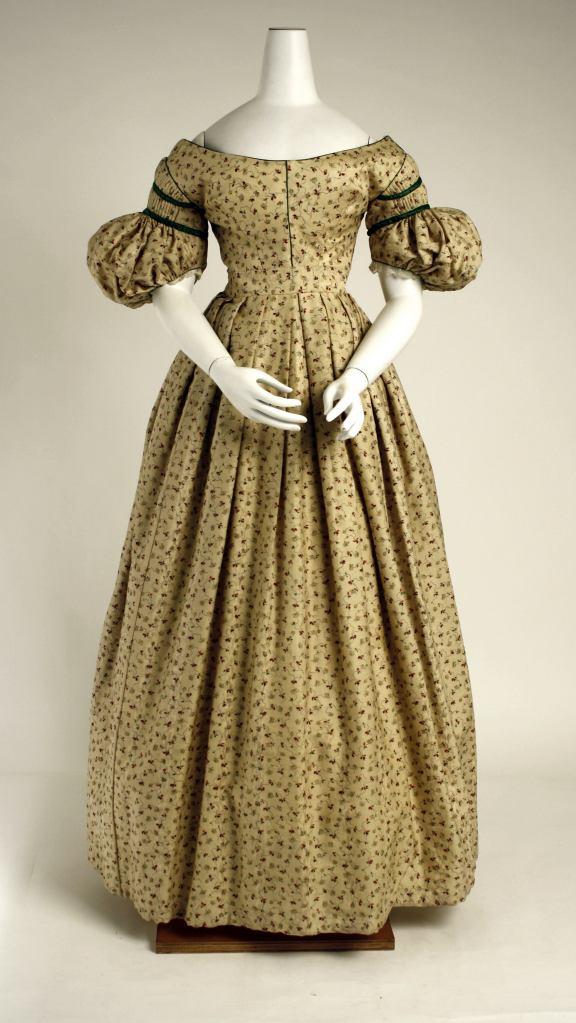 1834-36 British Wool Dress.(Image via Met Museum)