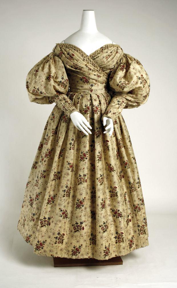 1835 American Wool and Silk Afternoon Dress.(Image via Met Museum)