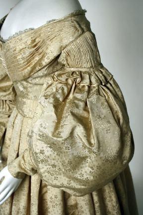 1835 British Silk and Wool Evening Dress.(Image via Met Museum)