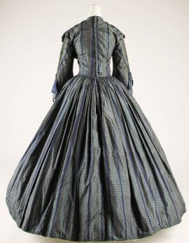 1850 British Silk Flax Gown.(Image via Met Museum)
