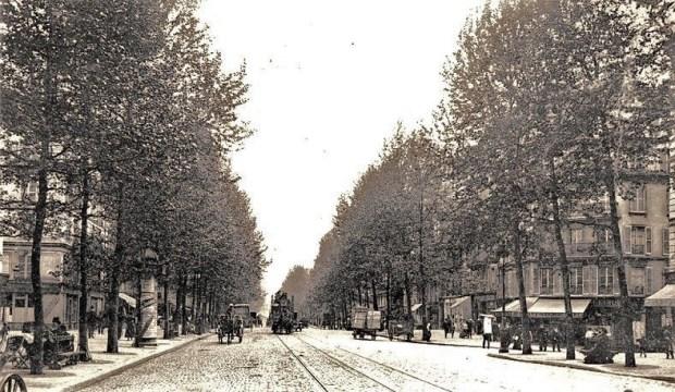 Boulevard Beaumarchais, Paris, circa 1900.