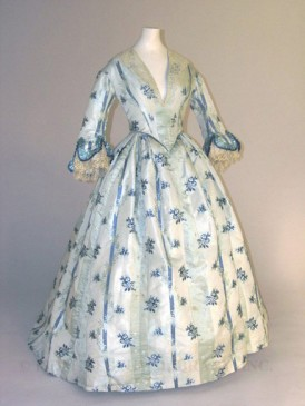 1853-1854 Silk Day Dress with Evening Bodice.(Image via FIDM Museum)