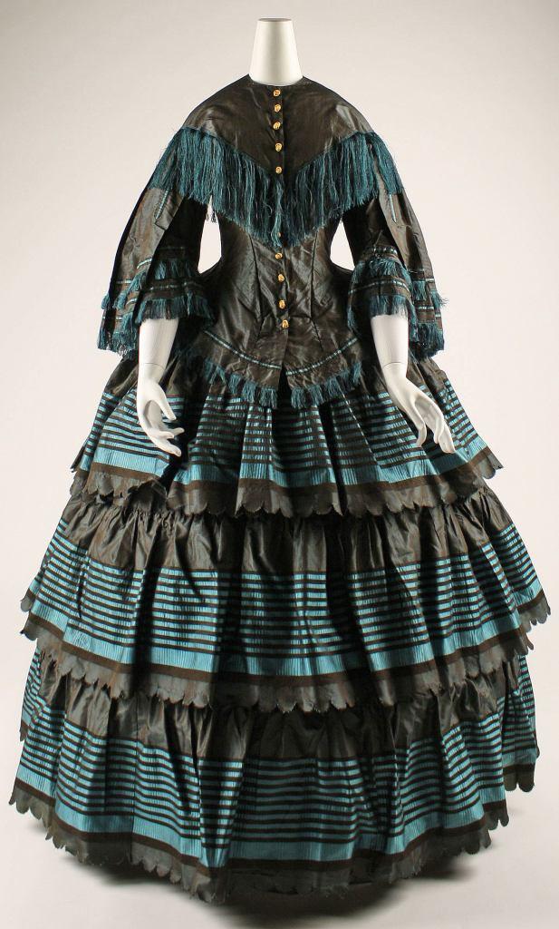 1854-1856 British Silk Dress.(Image via Met Museum)