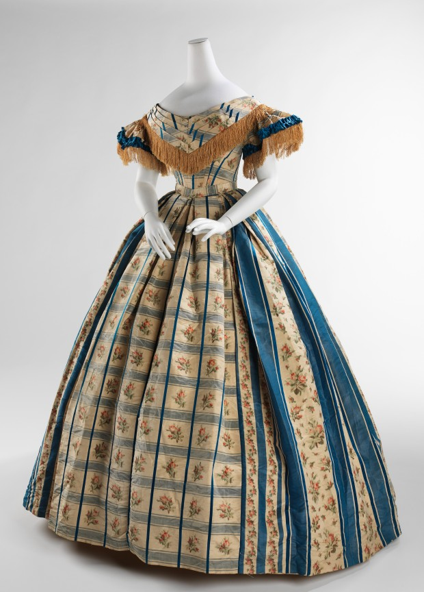 1857-1860 American Silk Evening Dress.(Image via Met Museum)