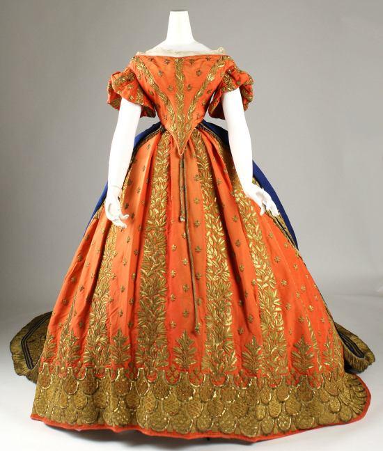 1857-1860 Italian Silk and Gold Court Ensemble(Met Museum)