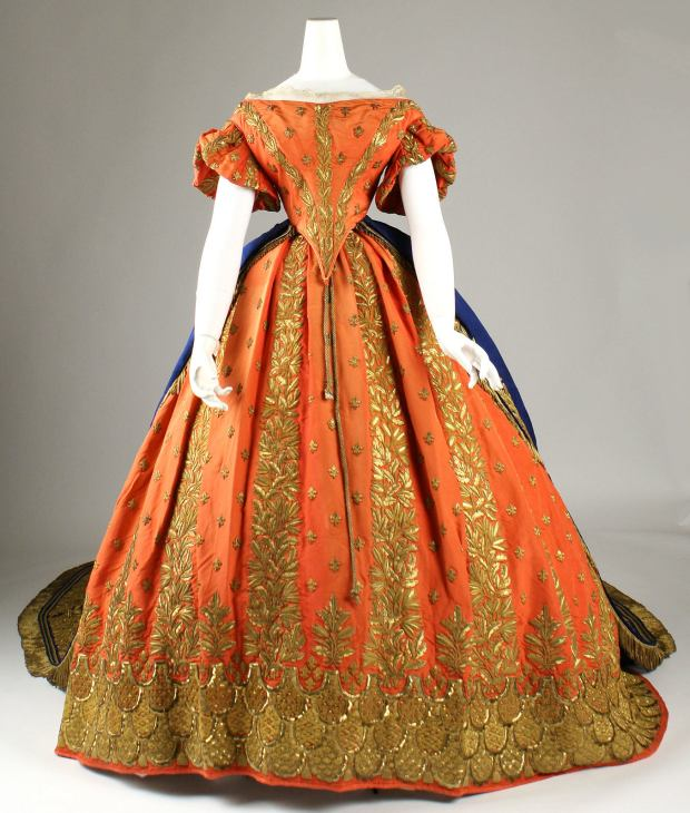 1857-1860 Italian Silk and Gold Court Ensemble(Met Museum)