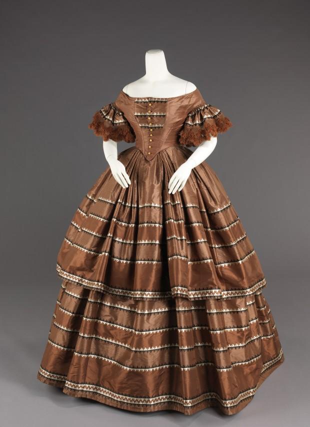 1858-1859 American Silk Evening Dress.(Image via Met Museum)