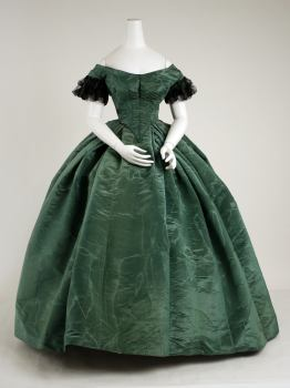 1858 American Silk Ensemble.(image via Met Museum)