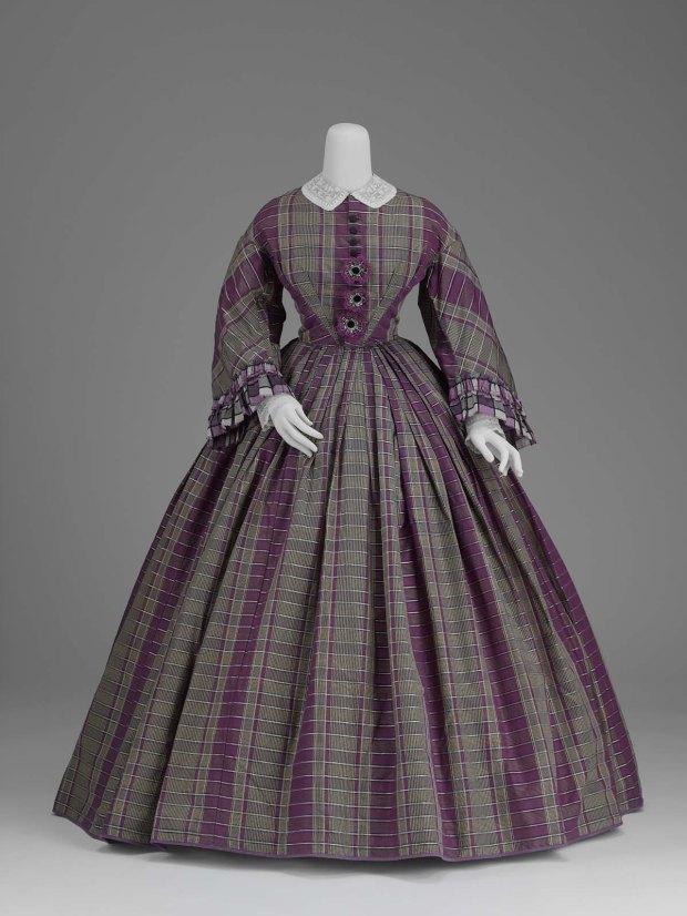 1859-1861 Silk Plaid Taffeta Day Dress.(Image via MFA Boston)