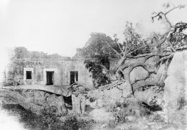 Aftermath of the Siege of Cawnpore, showing the remains of the Bibighar 1857. (Image via Imperial War Museum, 1857-1859)