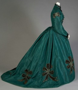 1860s Silk Taffetta Dress.(Image via Kent State Museum)