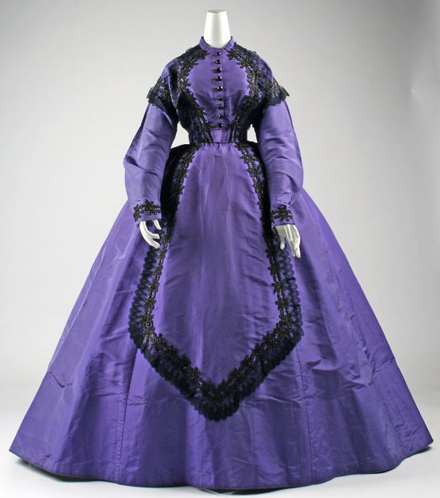 1863-65 American Silk Visiting Dress. (Image via Met Museum)
