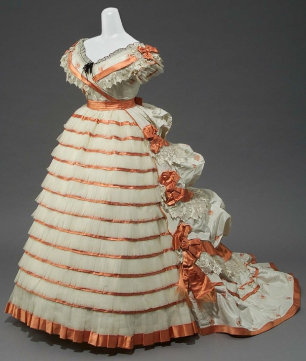 1865 French Women's Evening Dress.(Image via MFA Boston)