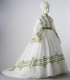 1869 Cotton Muslin Summer Day Dress.( Victoria and Albert Museum)