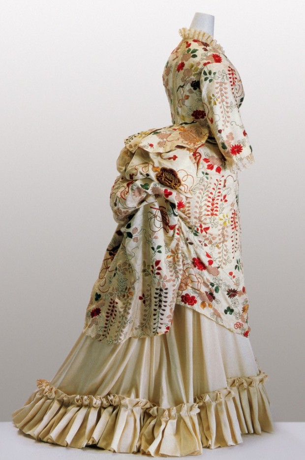 1870s Gown made from Kimono Fabric.(Image via Kyoto Costume Institute)