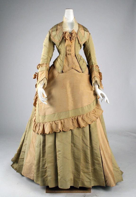 1872 French Silk Dress.( Image via Met Museum)