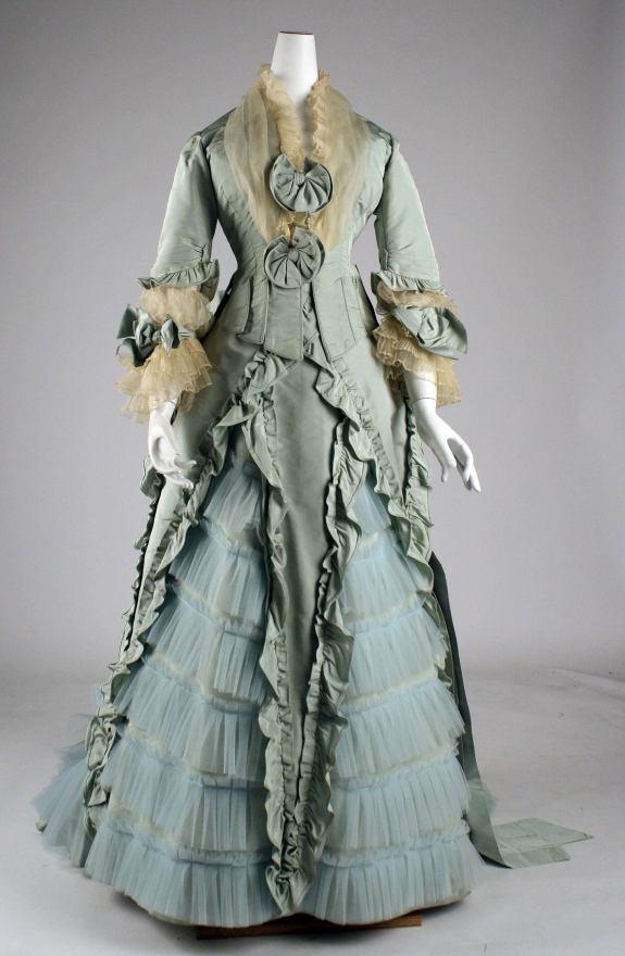 1873 French Silk Dinner Dress.(Image via Met Museum)