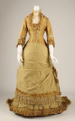 1876-77 American Silk Dress.( Image via Met Museum)