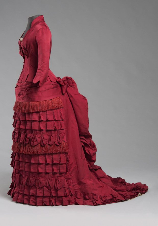 1876 Red Silk Dress. (Image via Philadelphia Museum of Art)