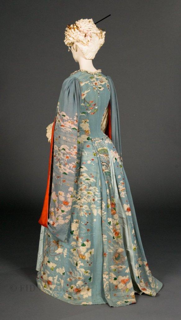Kimono Dressing Gown, 1885.(Image via FIDM Museum)