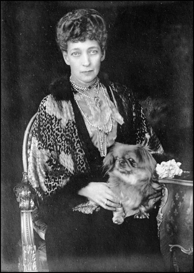 Alexandra of Denmark with her Pekingese, 1923.