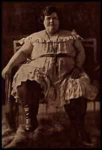 Teresina, a young woman weighing 265 kg, 1881.(Image via Wellcome Library, CC by 4.0)