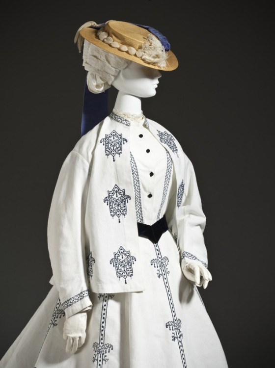 1864-1867 Seaside Ensemble.(Image via LACMA)