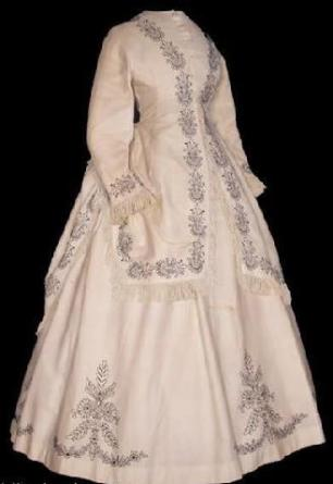 1868 Embroidered Seaside Bustle Dress.(Image via The Bartos Collection)