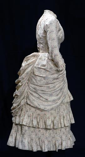 1878-1880 Printed Cotton Sateen Seaside Dress .(Image via Bowes Museum)