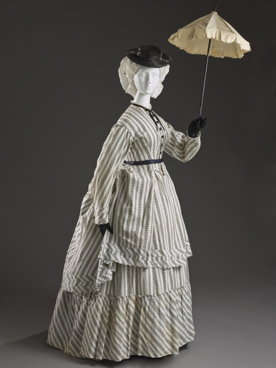 1870 Printed Cotton Seaside Ensemble.(Image via LACMA)