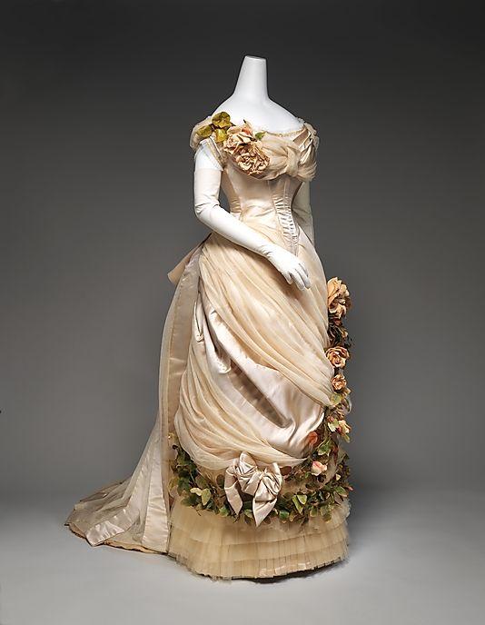 1882 House of Worth Evening Dress.(Met Museum)
