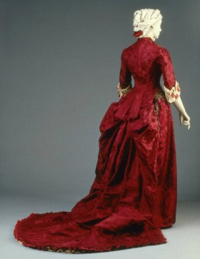 1883 House of Worth Reception/Dinner Dress.(MFA Boston)