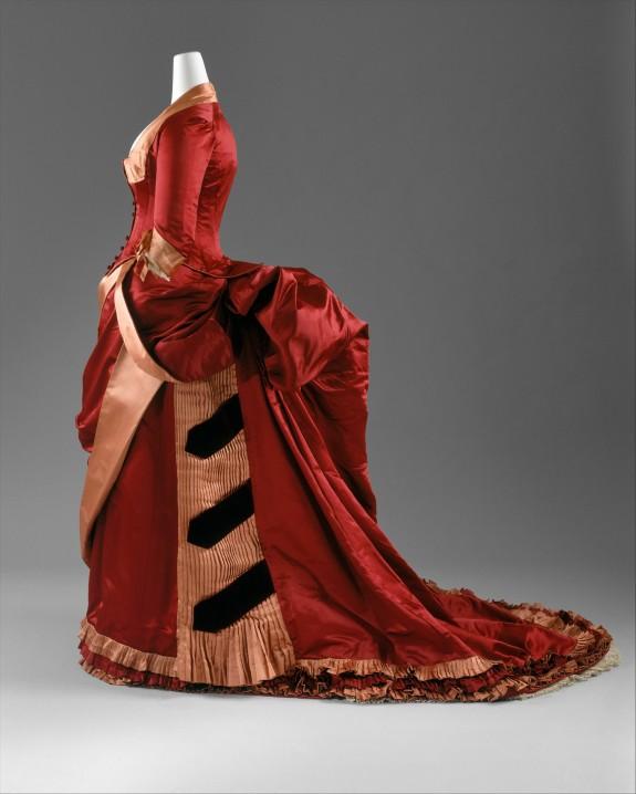 1885-1886 Red Silk Evening Dress.(Met Museum)