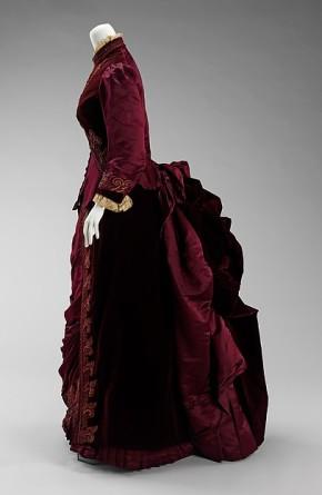 1885 House of Worth Dress.(Met Museum)