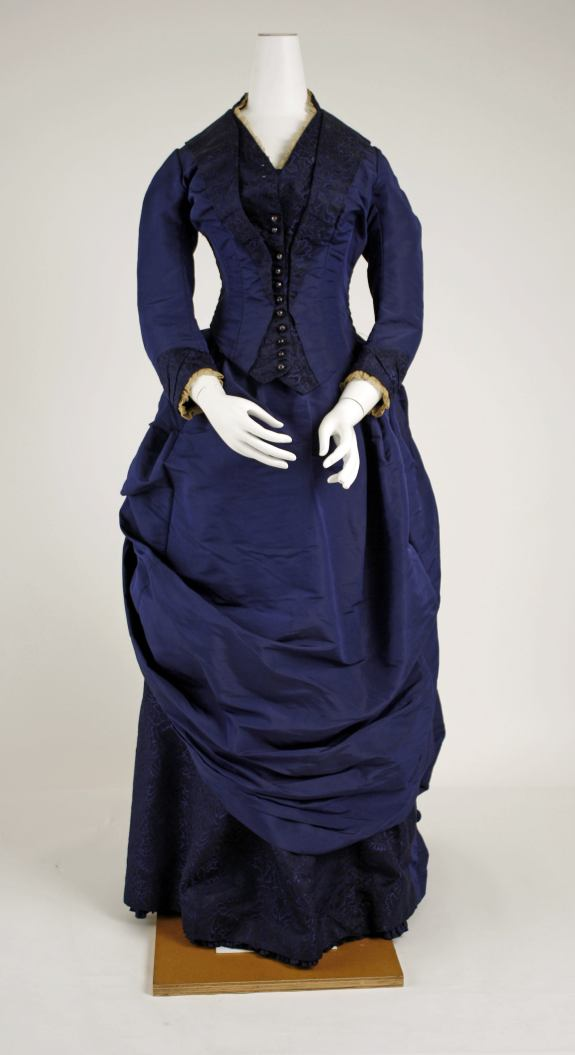 1886 French Dress.(Met Museum)