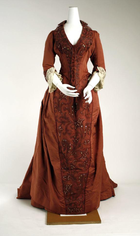 1888-1889 Silk Dress.(Met Museum)