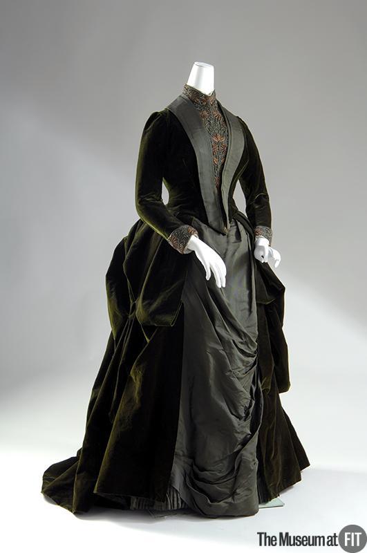 1888 Green Velvet Dress.(Museum at FIT)