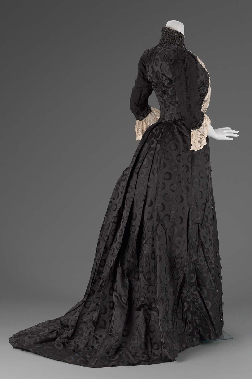 Thin Simple Victorian Dresses