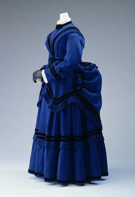 1875 British Wool Day Dress. (Kyoto Costume Institute)