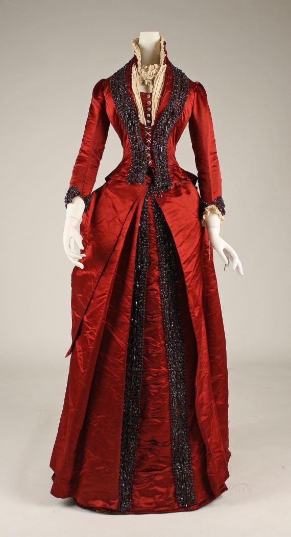 Late 1870s Silk Dinner Dress.(Met Museum)