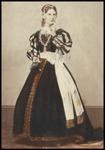 Photograph of a Man in Drag, 19th Century.(Wellcome Images, CC BY 4.0)