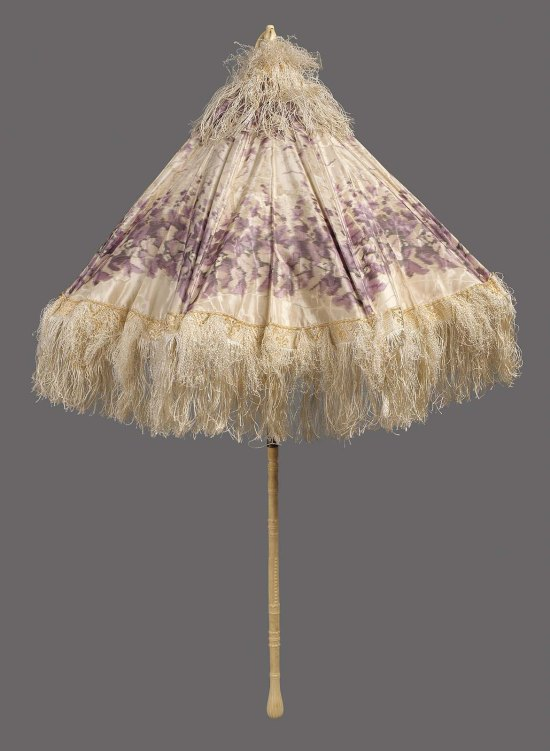 1840-1865 Moire Silk Taffeta Parasol.(MFA Boston)
